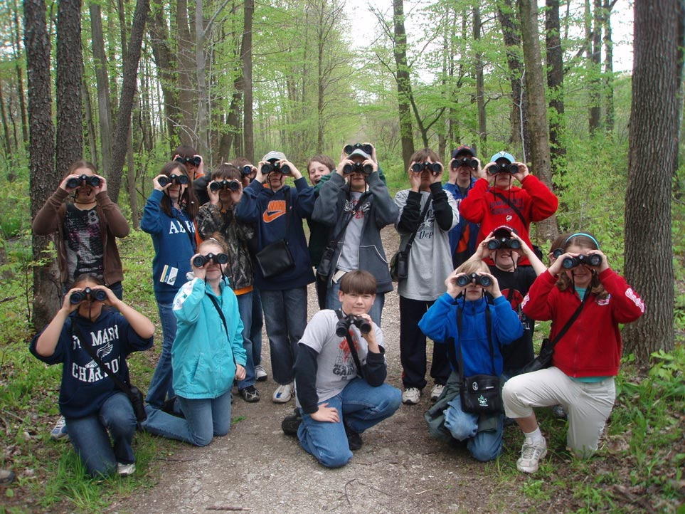 Dchew kids with binoculars
